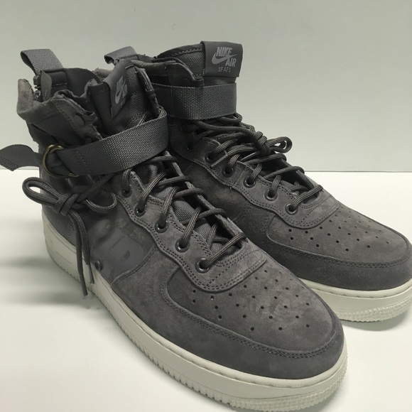 huge discount 666be 509ed Nike SF Air Force 1 Mid Men Wolf Grey sneakers NWT